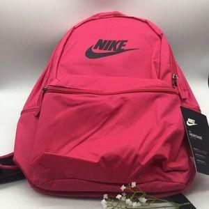 Nike Heritage Backpack 🎒 punch-red/black
